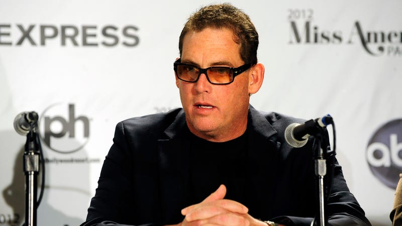 Illustration for article titled Laura Fleiss, wife of Bachelor creator Mike Fleiss, is granted restraining order against him