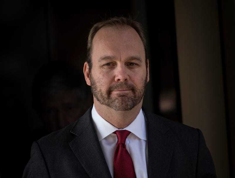 Illustration for article titled 'Please, I'll Tell You Everything,' Whimpers Rick Gates After Mueller Threatens To Send Him Back To White House