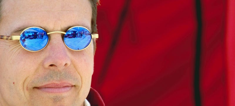 Illustration for article titled Which 1990s Race Car Driver Had The Smallest Sunglasses?