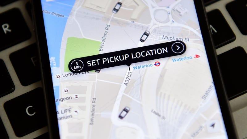 Illustration for article titled Uber se convierte en el transporte público de una ciudad canadiense: salía más barato que poner autobuses