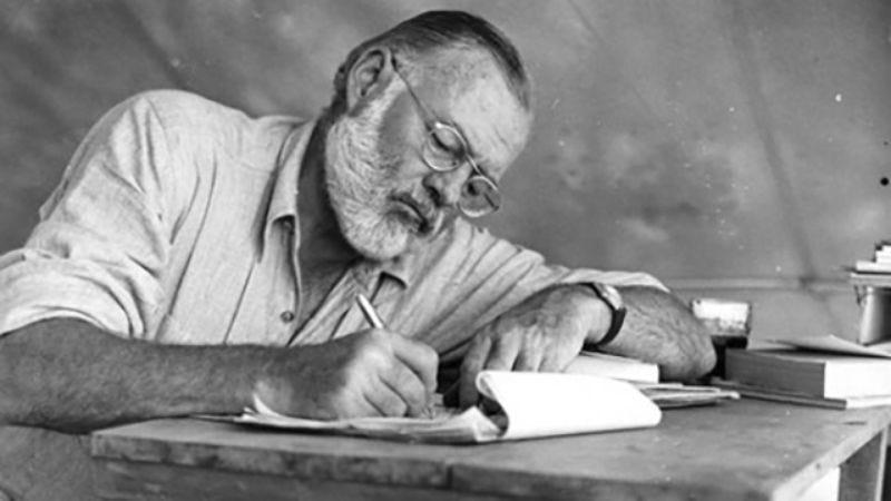 Illustration for article titled 7 Strange Habits Of Great Writers