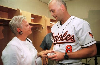 Illustration for article titled Cal Ripken Jr.'s Mom Held Up At Gunpoint For Second Time In Two Years