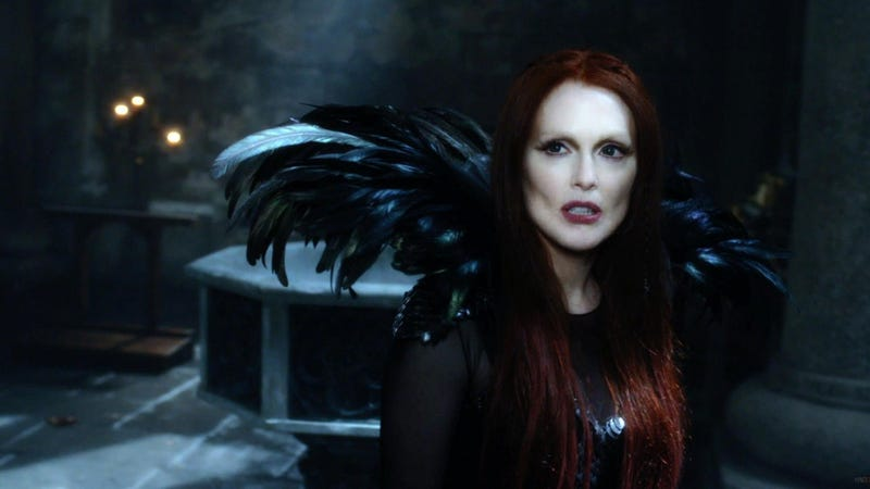 Illustration for article titled In Seventh Son, Julianne Moore's Shoulderpads Have Magic Dragon Powers