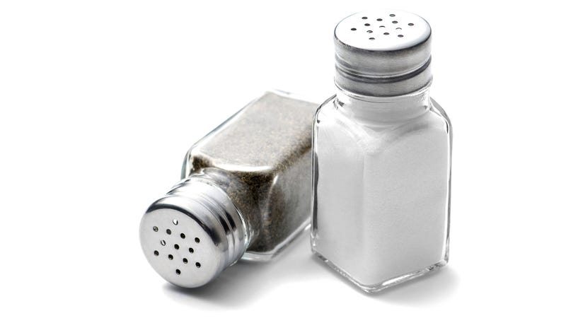 Illustration for article titled The pepper shaker on your restaurant table is really gross
