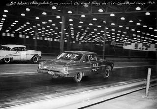 Illustration for article titled Why Did America Stop Indoor Drag Racing?