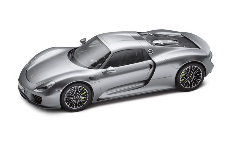 Illustration for article titled Is This the Most Expensive Model Car? Limited edition 1:8 Porsche 918