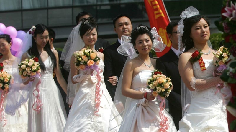 Illustration for article titled Report: Ninety Percent of Chinese Gay Men Marry 'Suffering' Women