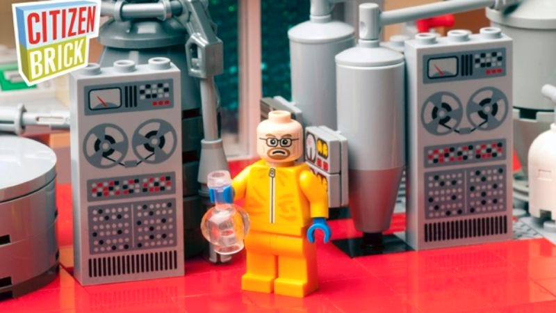 Illustration for article titled Marvel at the menacing adorableness of Lego Minifig Omar Little and Walter White