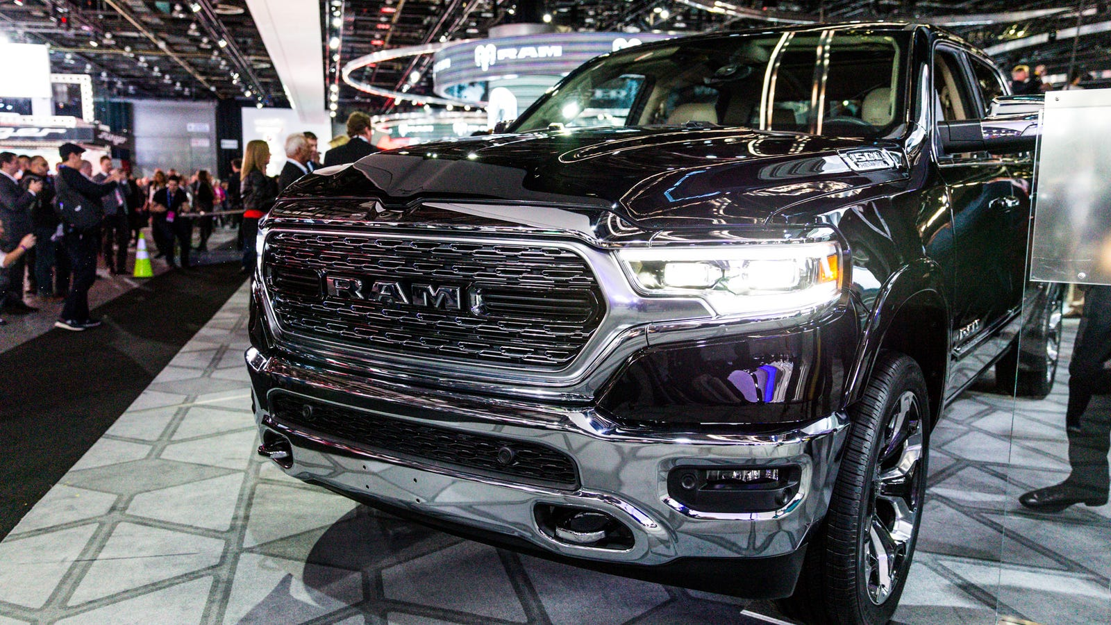 The 2019 Ram 1500 Gets Hybrid Tech And An Insane 12-Inch ...