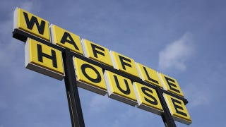 Illustration for article titled FEMA Determines How Bad a Hurricane Is By Checking if The Waffle House Is Open