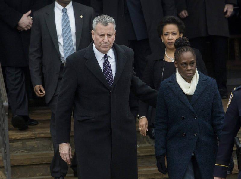 Illustration for article titled NYPD Wrongly Accuse Mayor's Wife of Wearing Jeans to Cop's Funeral