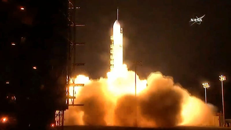 Delta 2 rocket lifts off from California
