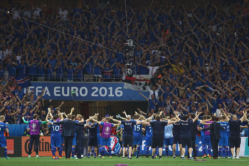 Illustration for article titled Iceland's Slow Clap Is The Best Thing At Euro 2016