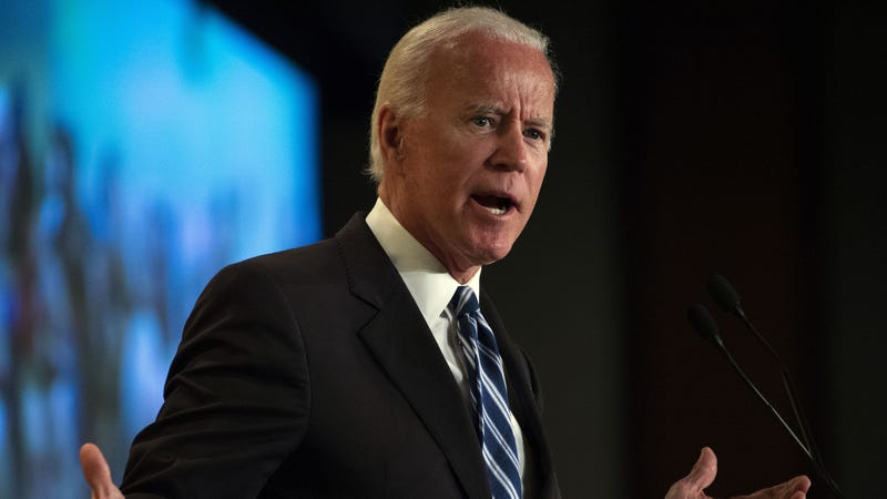 Illustration for article titled 'Help! Help! Who Am I? Where Am I? Who Are You People?' Says Biden In Embarrassing Campaign Gaffe