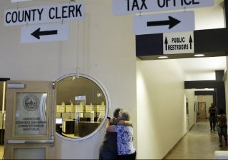 Illustration for article titled Texas County Clerk Refuses Gay Marriage Licenses, Just to Be a Dick