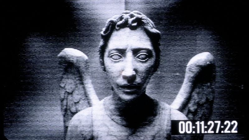 Illustration for article titled With these Weeping Angel lights, blink and you're dead