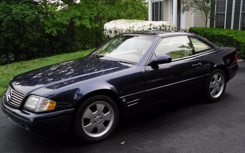Illustration for article titled For $10,950, Could You Top This 1999 Mercedes Benz SL500 With A Panoramic Roof?