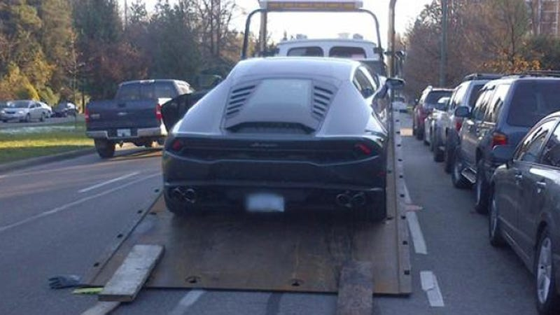 Illustration for article titled Cops Taunt Driver On Twitter After Towing His $275,000 Lamborghini