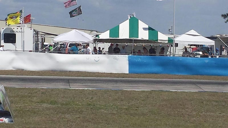 Illustration for article titled Anyone else see this at 12hr of Sebring