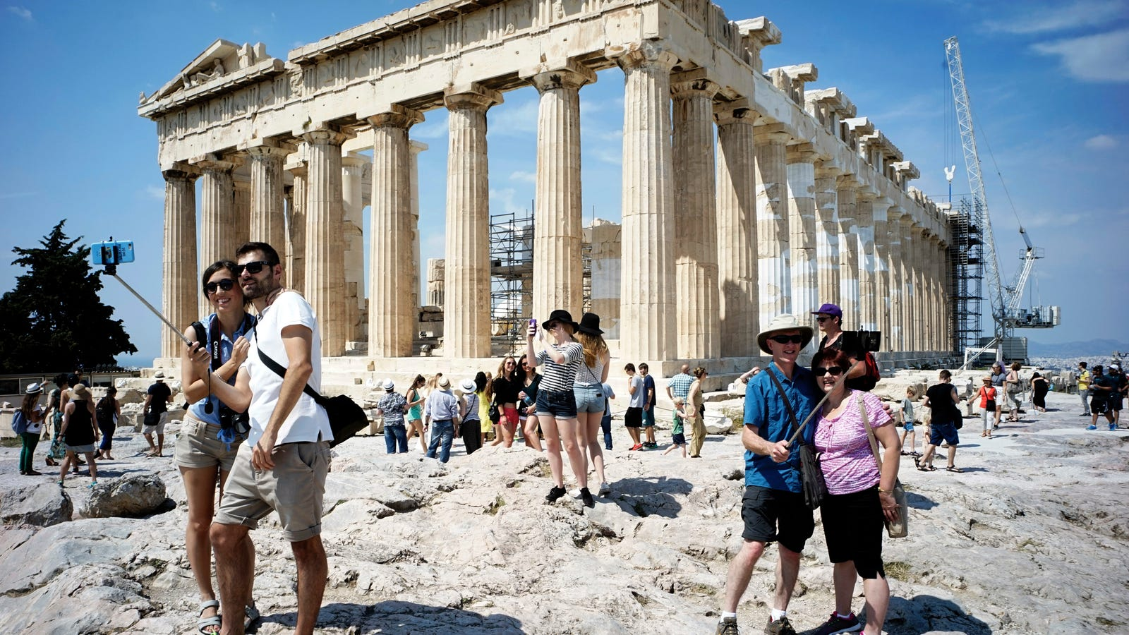 How to Avoid Annoying Crowds and Lines at Tourist Attractions