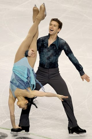 Illustration for article titled Ice Dancers Do The Darnedest Things