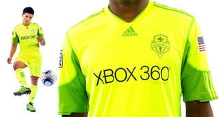 Illustration for article titled Xbox 360 Fans, This Sports Jersey Is For You