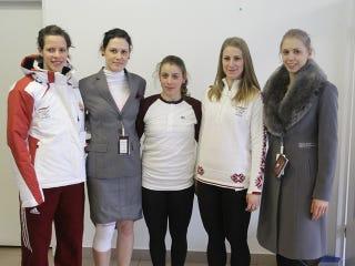 Illustration for article titled A menő olimpiai ruhákat hagyjuk meg a hanyatló nyugat ópiumának