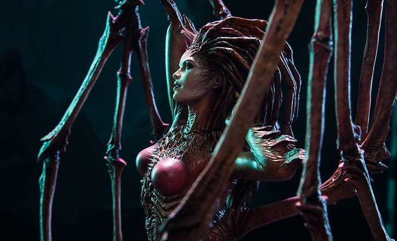 Illustration for article titled StarCraft's Queen Of Blades Shrunk, Turned Into Statue