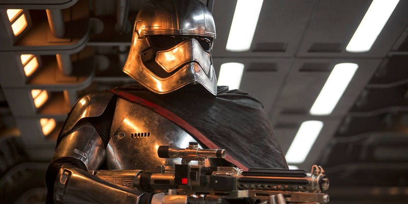 Illustration for article titled Captain Phasma, la nueva villana de Star Wars, es mucho más importante de lo que imaginas