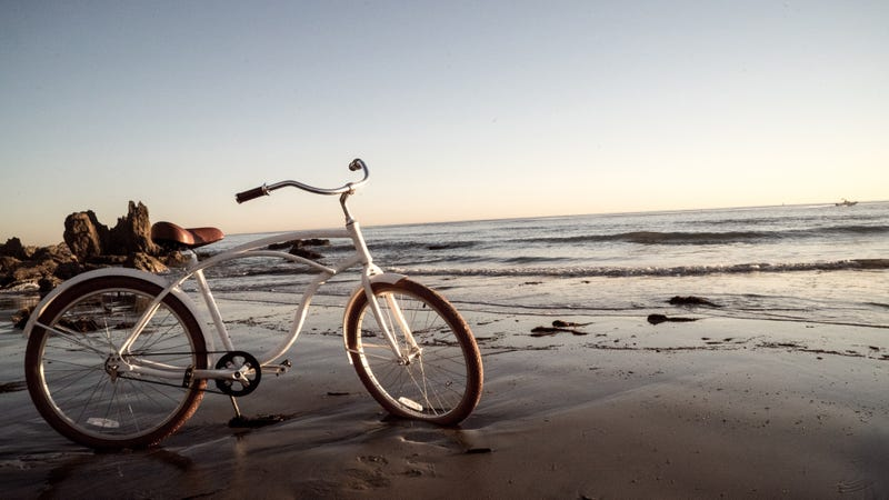 Illustration for article titled This Badass Beach Cruiser Fights Off Rust, Salt, and Sand
