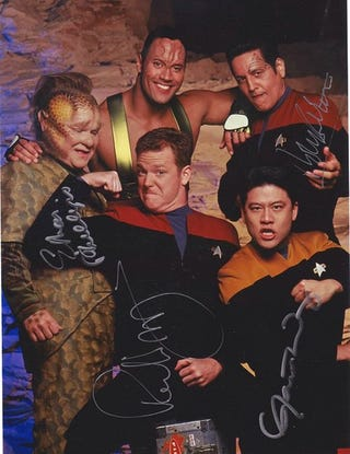 Illustration for article titled Excuse Me, But I Think You've Got a Little Bit of Weirdness, Just, Right, There: Star Trek: Voyager Edition