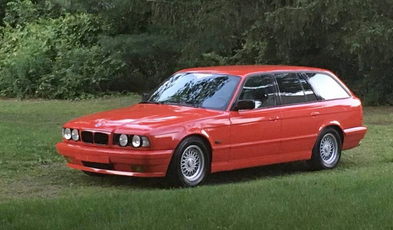 Illustration for article titled For $4,000, Could This 1995 BMW 530iT Make It A Wrap?