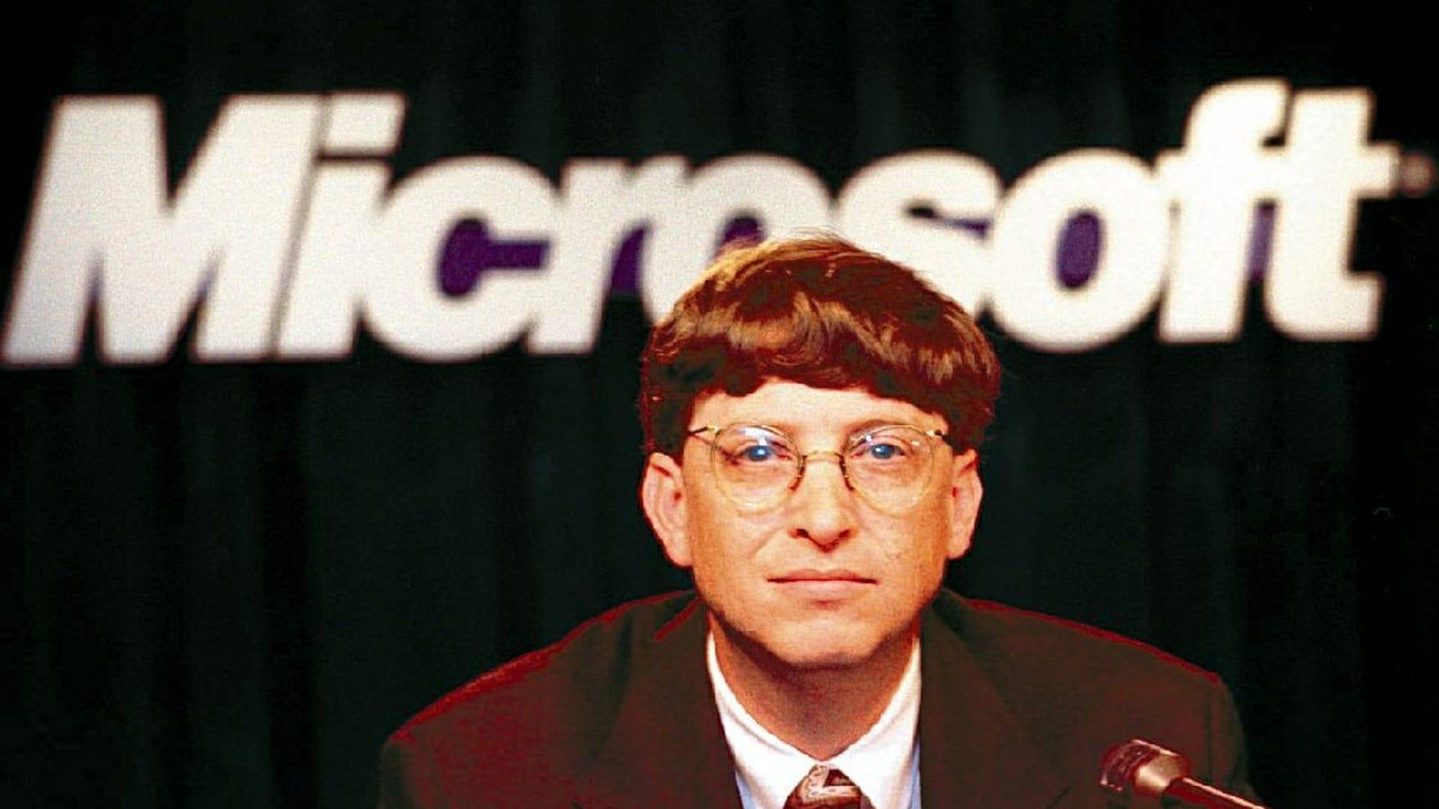 Evil Genius Gates Drops Windows 98 Into NYC Water Supply