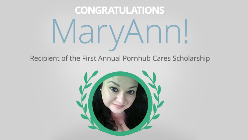 Illustration for article titled Winner of Pornhub's College Scholarship is a 48-Year-Old Texan Mom