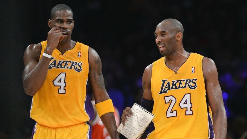 Illustration for article titled Kobe Bryant Compiles Helpful List Of 435 Aspects Of Game Antawn Jamison Needs To Improve