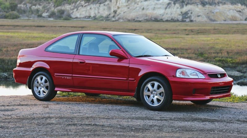 Illustration for article titled Someone Just Paid $22,750 For This Absurdly Pristine 2000 Honda Civic Si