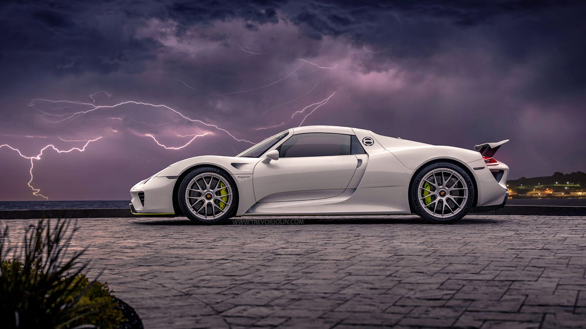 Your Ridiculously Awesome Porsche 918 Spyder Wallpapers Are Here
