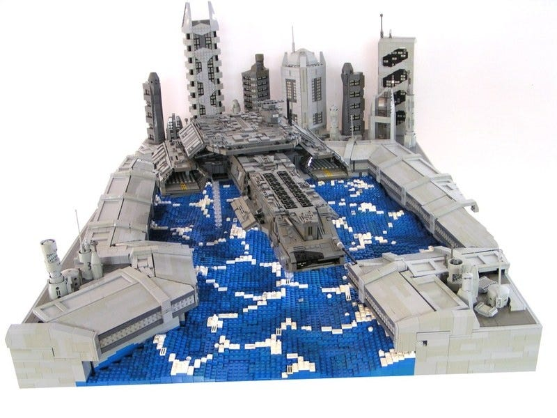 Illustration for article titled 15-Year-Old Sven Junga Creates Starships From LEGO Bricks