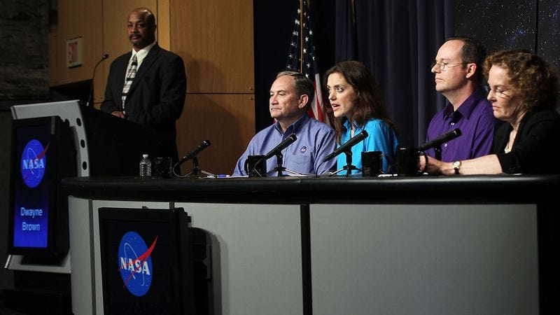 Illustration for article titled Nation Demands NASA Stop Holding Press Conferences Until They Discover Some Little Alien Guys