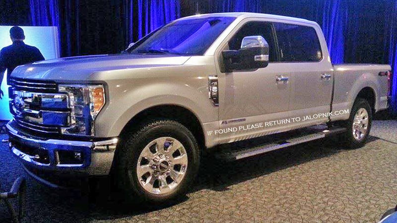 Illustration for article titled 2017 Ford F-250 Super Duty: Here's The First Real Picture!