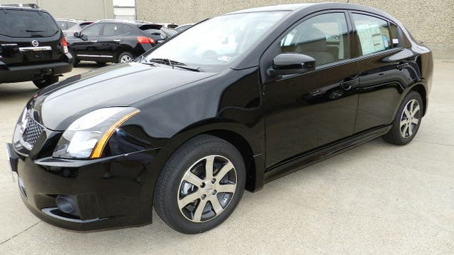 2011 nissan sentra se the oppositelock review. Black Bedroom Furniture Sets. Home Design Ideas