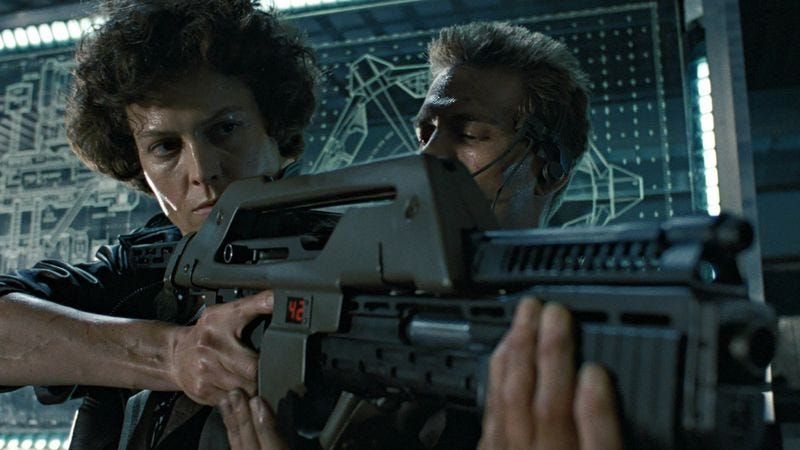 Illustration for article titled It's game over, man, now that someone built a working Aliens pulse rifle