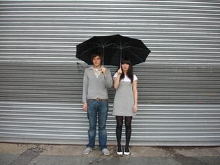 Illustration for article titled Tandem Umbrella For Clingy Couples