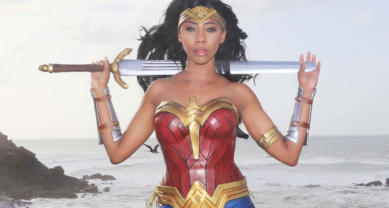 Illustration for article titled Wonder Woman Cosplay Is Here To Save The Day