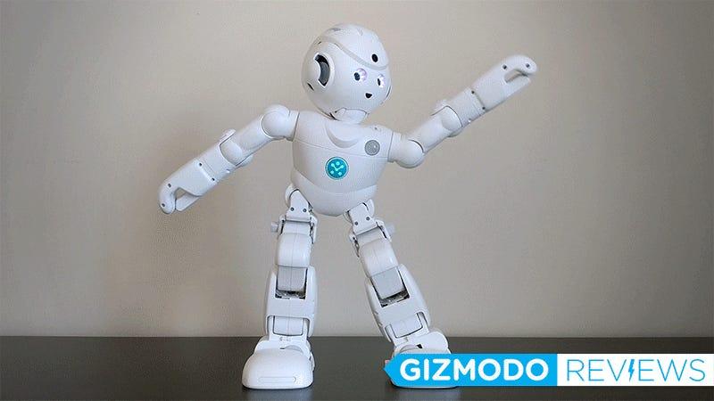 I Let an $800 Alexa Robot Creep Around My House Like a Tiny