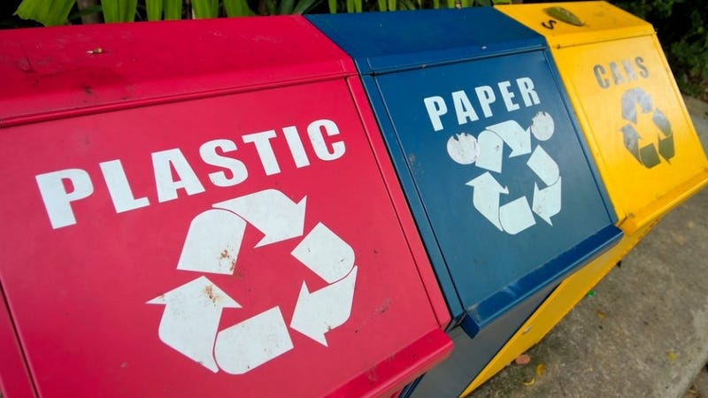 Illustration for article titled Paper or Plastic? Try Neither
