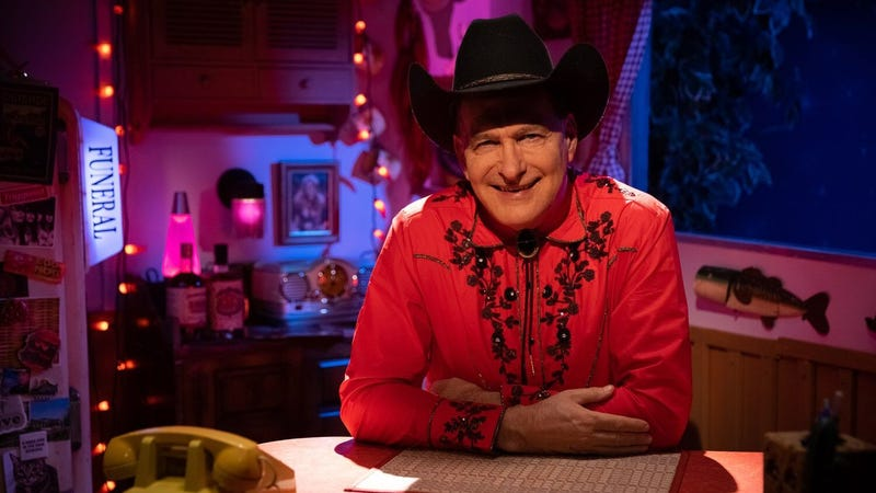 Illustration for article titled Joe Bob Briggs will soon be gracing your TV every Friday night