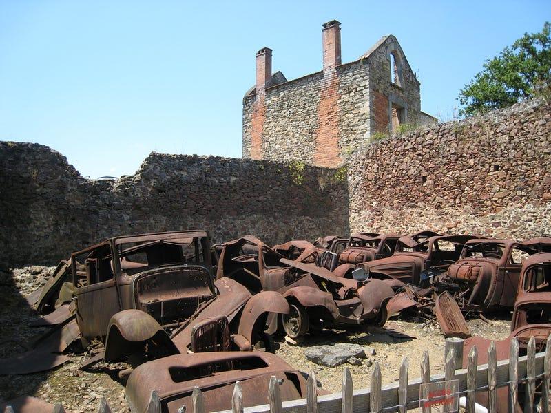 Resultado de imagem para oradour-sur-glane france