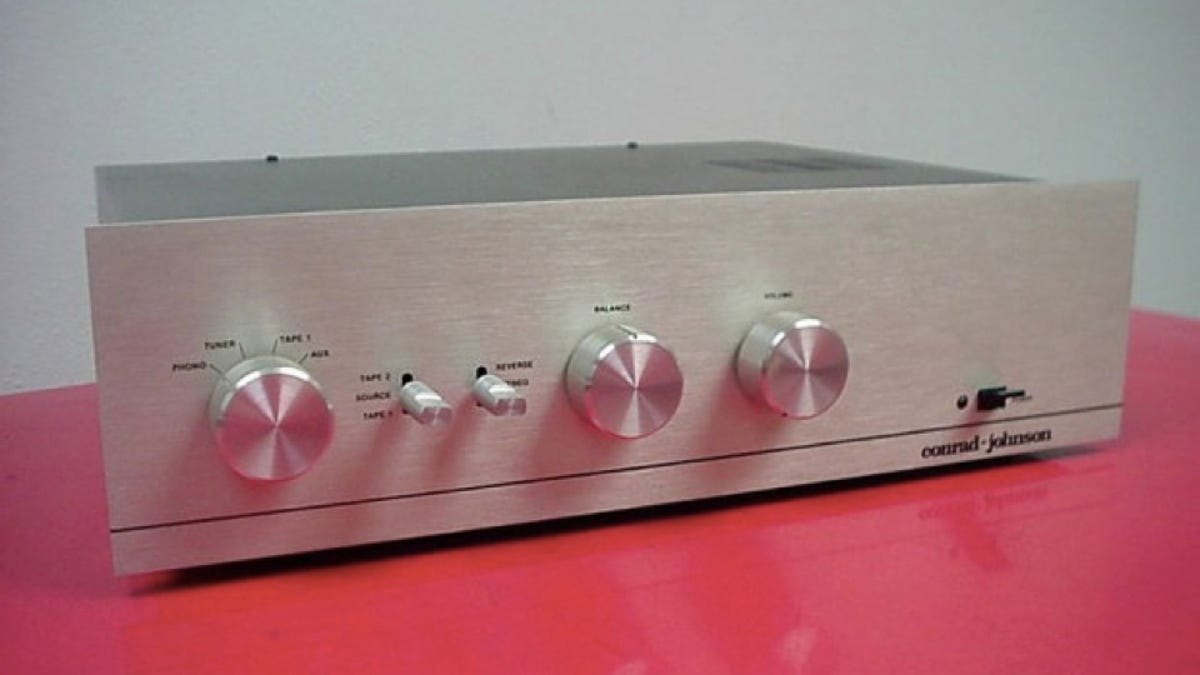 Hey Audiophile! Five Baller Vintage Amps That Are Dirt Cheap