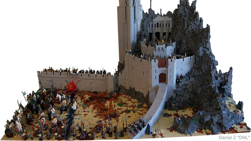 Illustration for article titled At Dawn, Look to the East for This Incredible Lord of the Rings LEGO Diorama